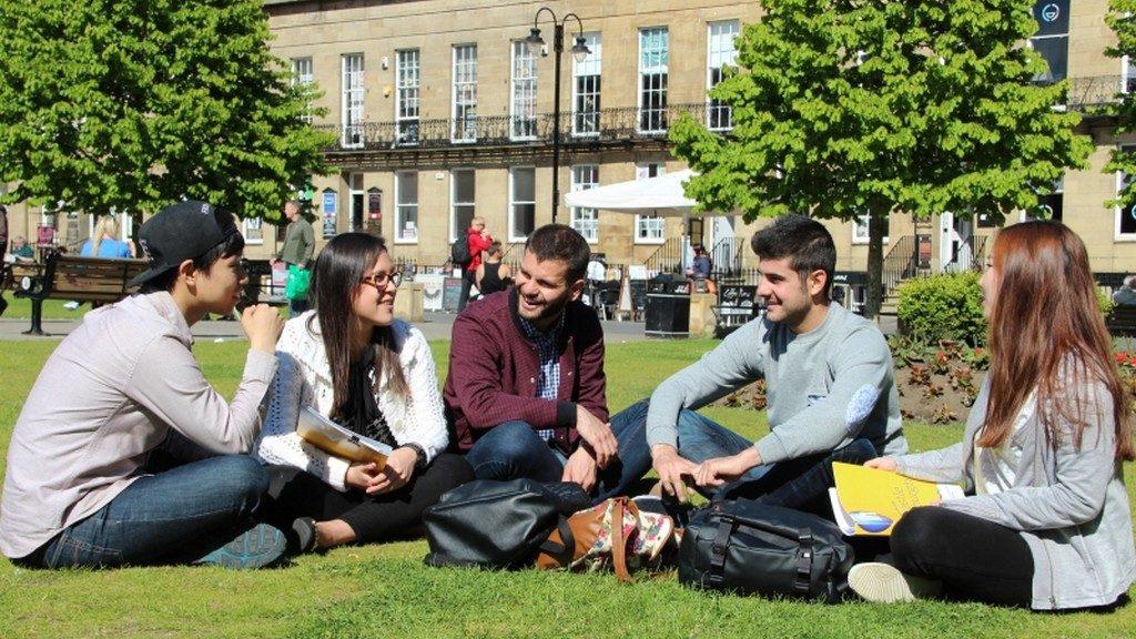 Newcastle studentiNewcastle studenti