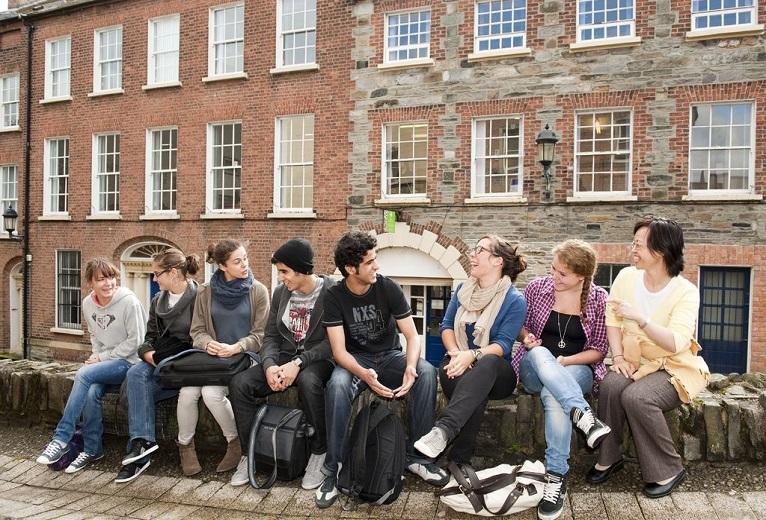 Derry studenti
