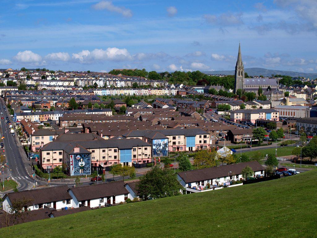 Derry con murali