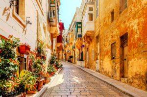 Adulti, isola di Malta